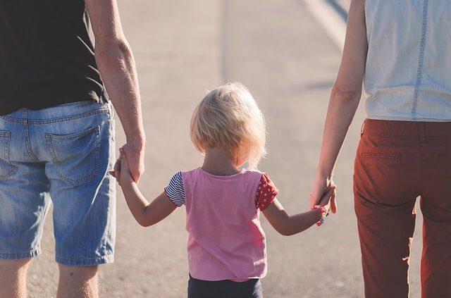 genitori-amici-viziare-bambini-capricci